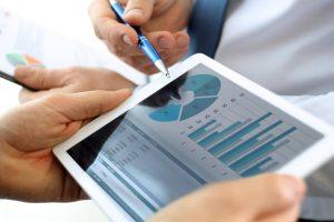 Assurer le suivi d'une enquête et évaluer la fiabilité de résultats statistiques