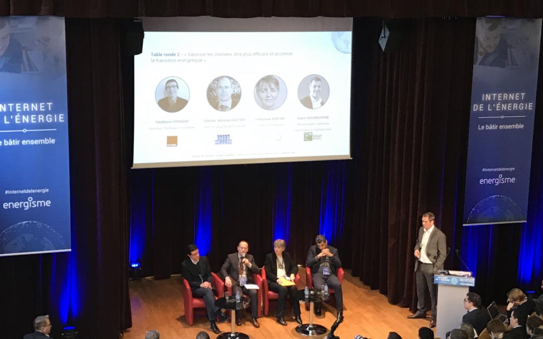 Un grand succès à la table ronde «l'internet de l'énergie, le bâtir ensemble»